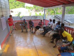 Fishermen participating in the decisions game. Photo and copyright: César Mantilla.